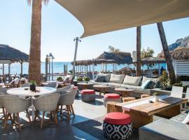 Makris Beach Hotel, hotel in Kamari