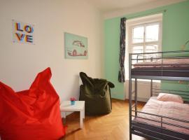 Travel&Joy backpackers, hostelli Prahassa