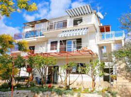 Apartments Slavko, pet-friendly hotel in Trogir