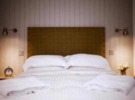 The Lodges @ Barra Castle, hotel near Tolquhon Castle, Inverurie