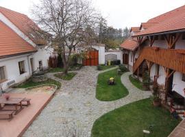 Penzion Keramika, hotel in Jindřichŭv Hradec