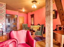 Writers' House Residency, hotel near Samaia Garden, Tbilisi City