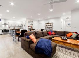 Villa StayCentral - Rosanna Luxurious Mansion Melburnā