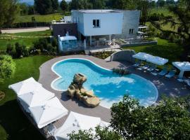 Relais Villa Clodia, hotel in Lazise