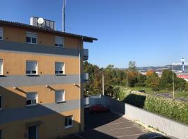 Montagehotel Living@Linz, hotel v Linci
