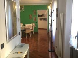 Appartamento Corso Genova con terrazza, self-catering accommodation in Milan