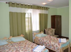 Flamingo Hotel, отель в Караколе