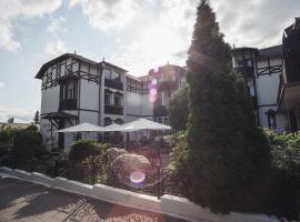 Schlosshotel Marienbad, отель в городе Марианске-Лазне