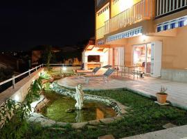 Villa Wind, hotel in Okrug Gornji