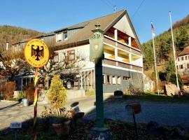 Hotel Gasthof zum Löwen, hotel near Rhine Falls, Wiechs am Randen