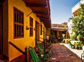 Hostal Casa Ayala in the heart of Trinidad, bed & breakfast a Trinidad