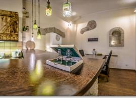 Wine Cellar Boutique Apartment: Budapeşte'de bir pansiyon