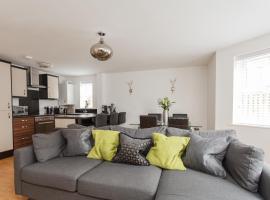 Stunning Contemporary Apartment, hotel near Boscombe Beach, Bournemouth