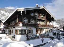 Landhaus Lenzenhof, Hotel in Reit im Winkl