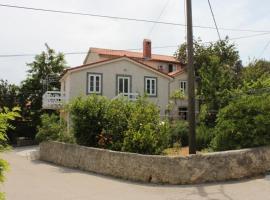 Apartments by the sea Nerezine, Losinj - 3479, hotel in Nerezine