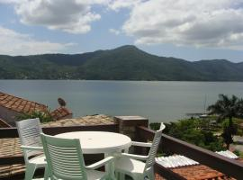 Residencial Marcelo e Irene, hotel near Galheta Beach, Florianópolis