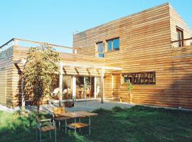 Holzhaus, B&B in Aix-en-Provence