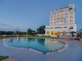 Royal Sarovar Portico Siliguri, hotel in Siliguri