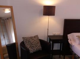 Modern Elche Apartment, hotel em Elche