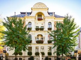 Hotel Uhland, hotel near Munich Central Station, Munich
