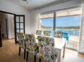 "Truly Mediterranean Apartment ""Spark"", hotel in Korčula"