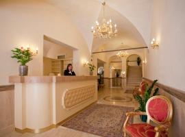 Hotel Cavour, hotel en Bolonia
