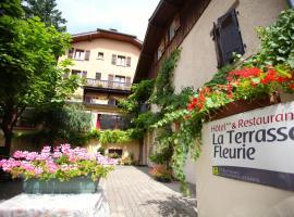 Logis La Terrasse Fleurie, hôtel à Divonne-les-Bains près de: Golf de Divonne-les-Bains