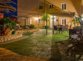 B&B Tonka, pet-friendly hotel in Novalja