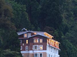 Summit Hermon Hotel & Spa, hotel in Darjeeling