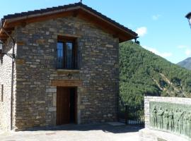 Apartamentos con Duende, hotel en Boltaña
