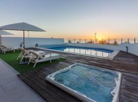 Villa White Whale, hotel near Golf Costa Adeje, Adeje