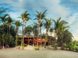 Hotel Laguna del Cocodrilo, hotel in Tamarindo