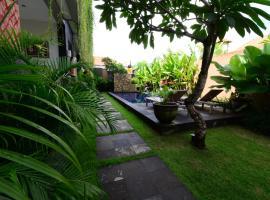 Surya Guest House Sanur, guest house in Denpasar