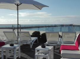 House Barra Beach, hôtel à Praia da Barra près de: Phare du Fort de Barra de Aveiro