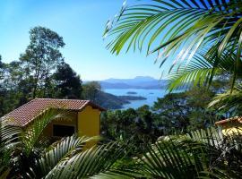 Bus Stop Paraty, hotel perto de Ilha Araújo, Paraty