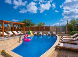"""Sunshine Villa with Private Pool """"by Checkin"""", pet-friendly hotel in Hersonissos"""