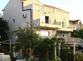 Apartments Miljas, hotel in Cavtat