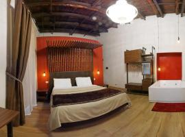 Duomo Luxury Suites, hotel in Naples