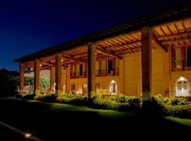Santellone Resort, hotel in Brescia