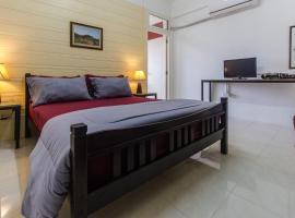 Savika Guesthouse, hotel in Ranong