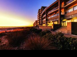 Glenelg Seaside Apartment, hotel near Glenelg Marina, Adelaide