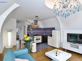 Luxury Apartment Delft VI Royal View, apartment in Delft