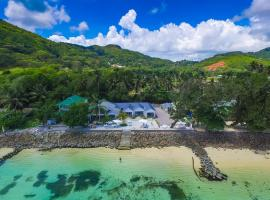 Le Nautique Beachfront Apartments Mahe, vacation rental in Anse Royale
