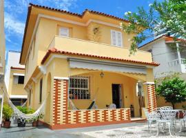 Pousada Acácia da Barra, guest house in Salvador