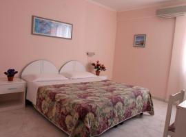 Hotel Da Raffaele, hotel near Castiglione Thermae, Ischia