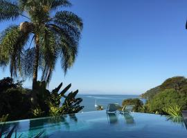 Casa Mar Paraty, hotel with pools in Paraty