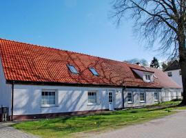 Ferienwohnungen auf dem Pommernhof, farm stay in Samtens
