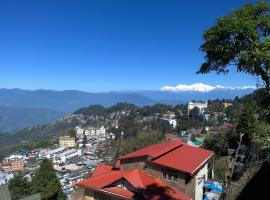 Hideout Homestay, hotel near Himalayan Mountaineering Institute And Zoological Park, Darjeeling