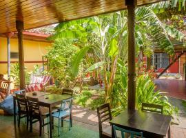 Hostel De Boca en Boca, hotel in Granada