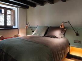 Cal Xixarro, hotel cerca de Telecabina de Canillo, Canillo
